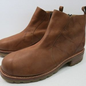 Frye Oil Tanned Leather Boots Zippered 16 D